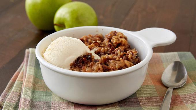 Slow-Cooked Praline Apple Crisp