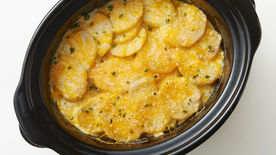 Slow-Cooker Cheesy Scalloped Potatoes