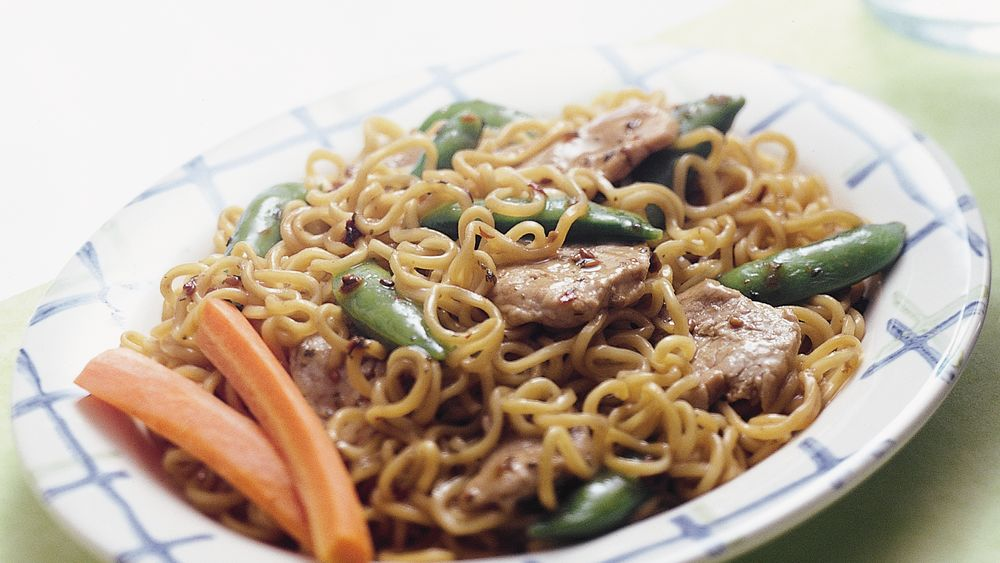Stir-Fry Pork and Curly Noodles