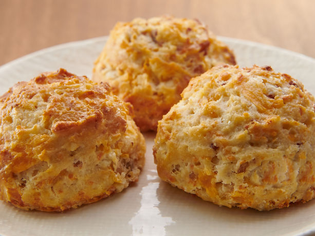 Bacon And Cheese Garlic Biscuits General Mills Convenience And Foodservice