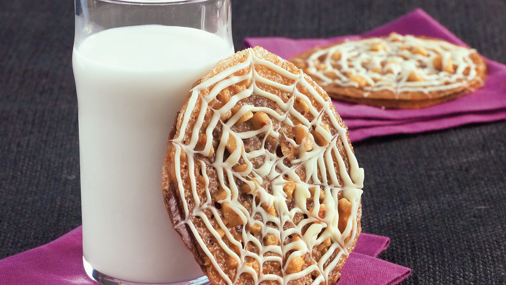 Lacy Spiderweb Sandwich Cookies