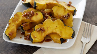 Acorn Squash with Butter Pecan Sauce