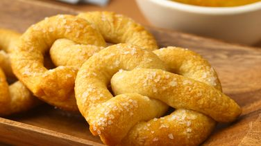Pretzels with Sweet Spicy Mustard