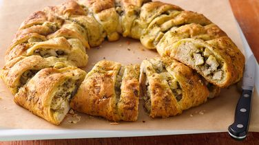 Pesto Chicken Crescent Ring