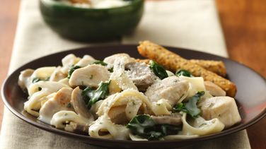 Fresh Spinach and Fettuccine Alfredo