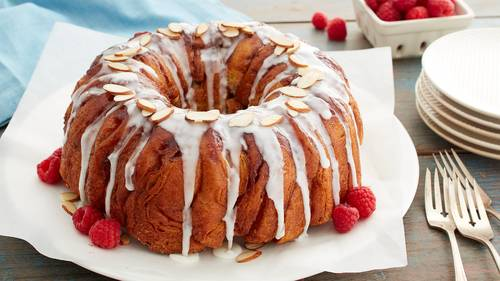 Almond Glazed Raspberry Pull-Apart