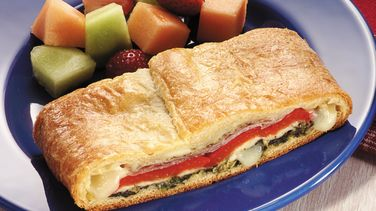 Spinach, Prosciutto and Roasted Pepper Calzone