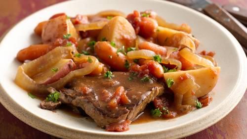 Slow-Cooker Swiss Steak Supper image