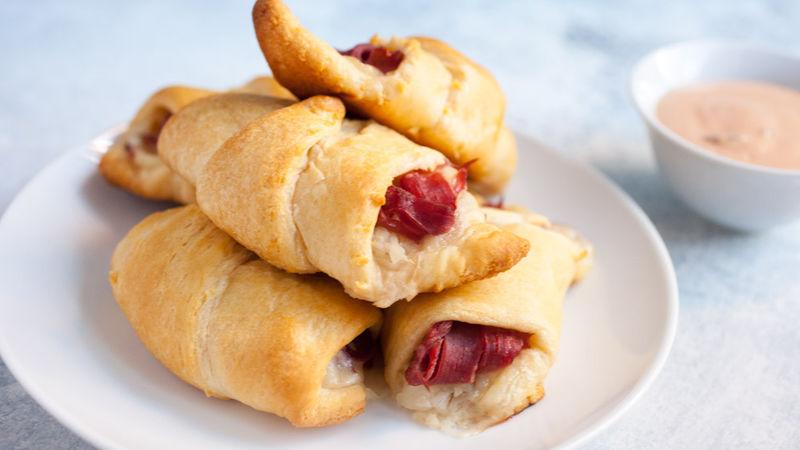 5-Ingredient Reuben Crescent Roll-Ups