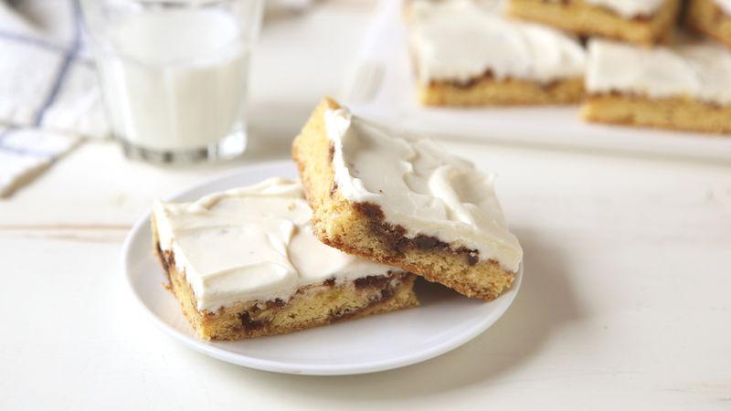 Cinnamon Roll Cake Bars
