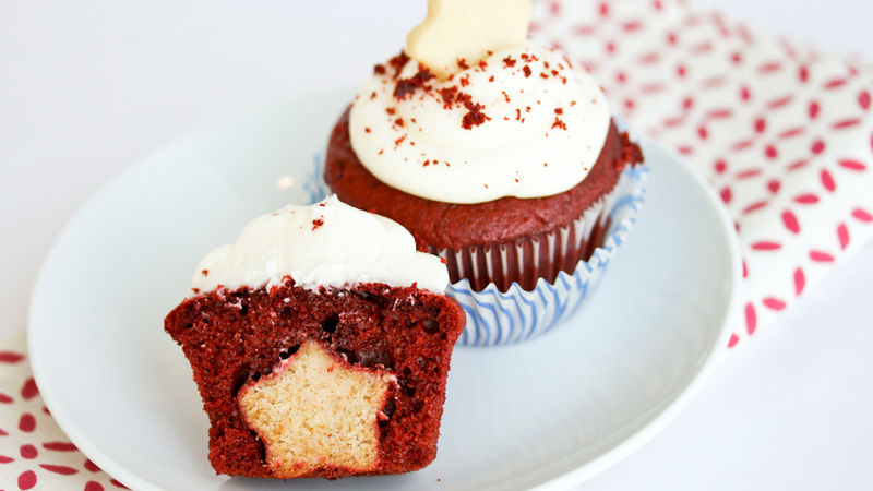 Star Surprise Cupcakes