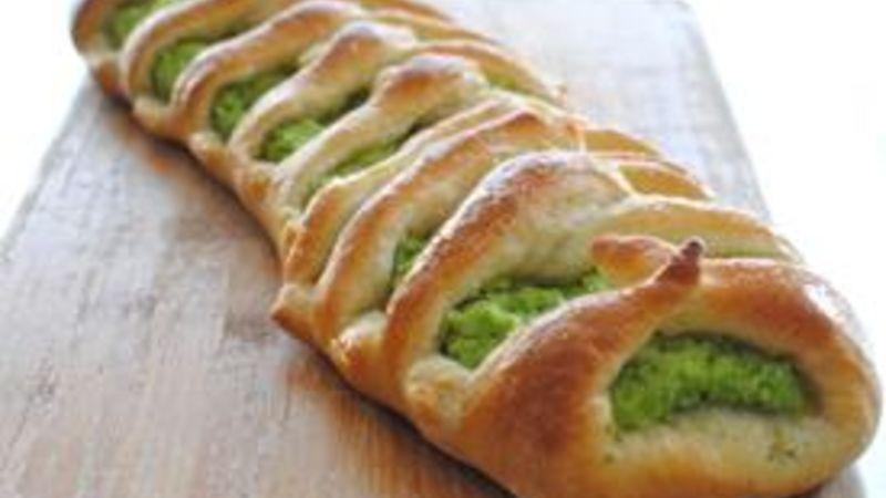 Broccoli Pesto Braid